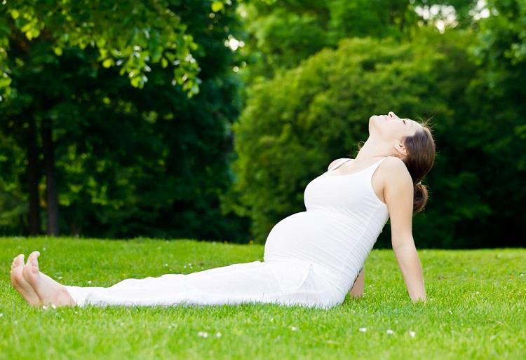 Bài tập yoga tốt nhất cho bà bầu 3 tháng đầu mang thai