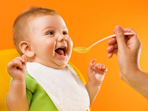 Hướng dẫn chế độ ăn dặm khoa học cho trẻ 1