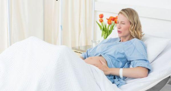 Những thói quen sai lầm làm tăng nguy cơ sinh non ở bà bầu