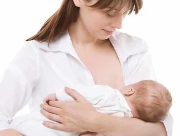 Mách mẹ những tư thế cho con bú đúng cách