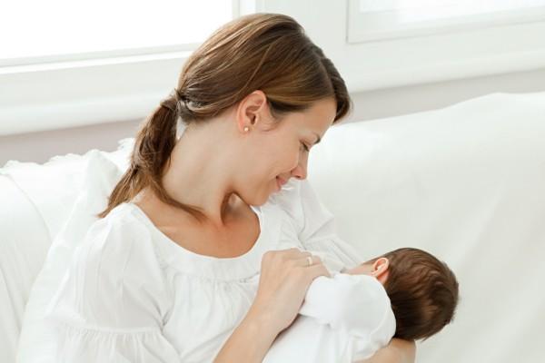 Cách chăm sóc trẻ sơ sinh dưới 1 tháng tuổi 1
