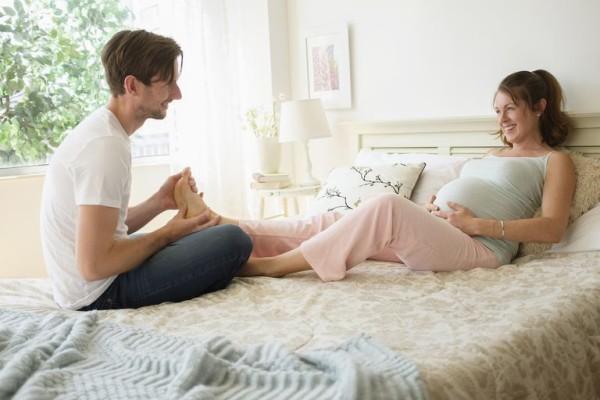 Tuyệt chiêu chăm sóc vợ mang thai 3 tháng đầu 1