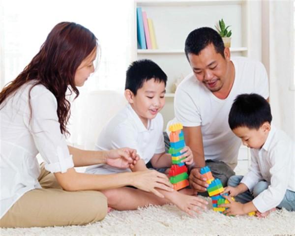 Bố có thể làm gì để cùng mẹ nuôi dạy con? 1